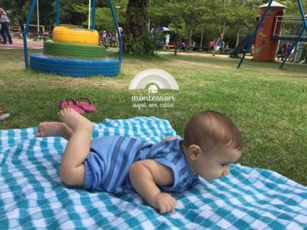 Tempo de bruços no parque
